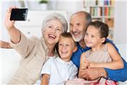 为什么有的老年人哭笑无常