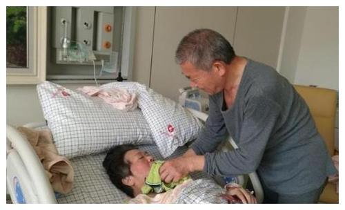 北京心理咨询:67岁高龄老太产女,高龄产妇养孩子需要注意哪些事情?